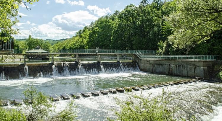 Dam on the Gradac